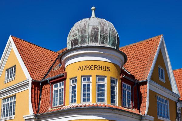 Häuserfront in Skagen