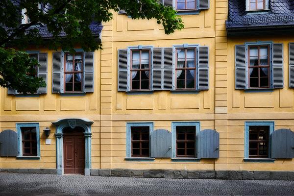 Häuserfront in der Schillerstraße in Erfurt