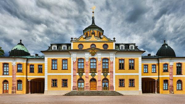 Die Südfront des Schlosses Belvedere in Erfurt