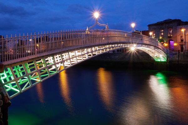 Ha´penny (Halfpenny) Bridge, Dublin