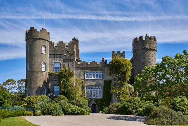 Malahide Castle bei Dublin