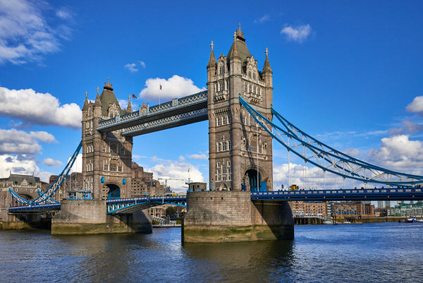 Tower Bridge bei Tag