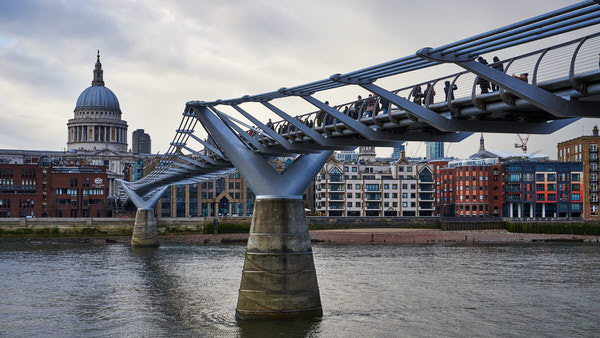 Millenium Bridge, Blick auf St. Paul´s Cathedral