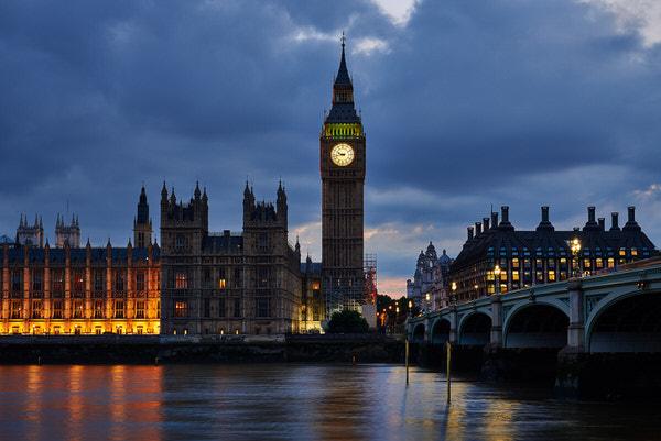 Abendstimmung: Big Ben und Westminster Palace