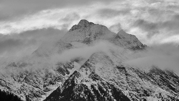 Die verschneiten Gipfel der Texelgruppe