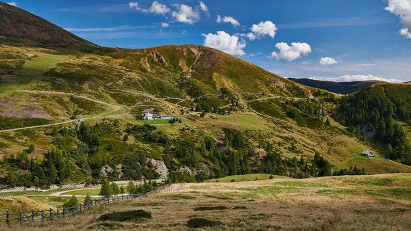 Die Meraner Hütte in den Sarntaler Alpen