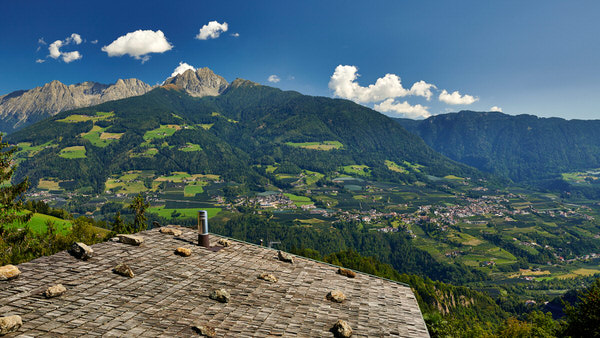 Blick vom Dorf Tirol in Richtung Sarntaler Alpen