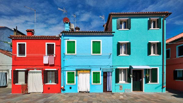 Häuserfront auf der Insel Burano